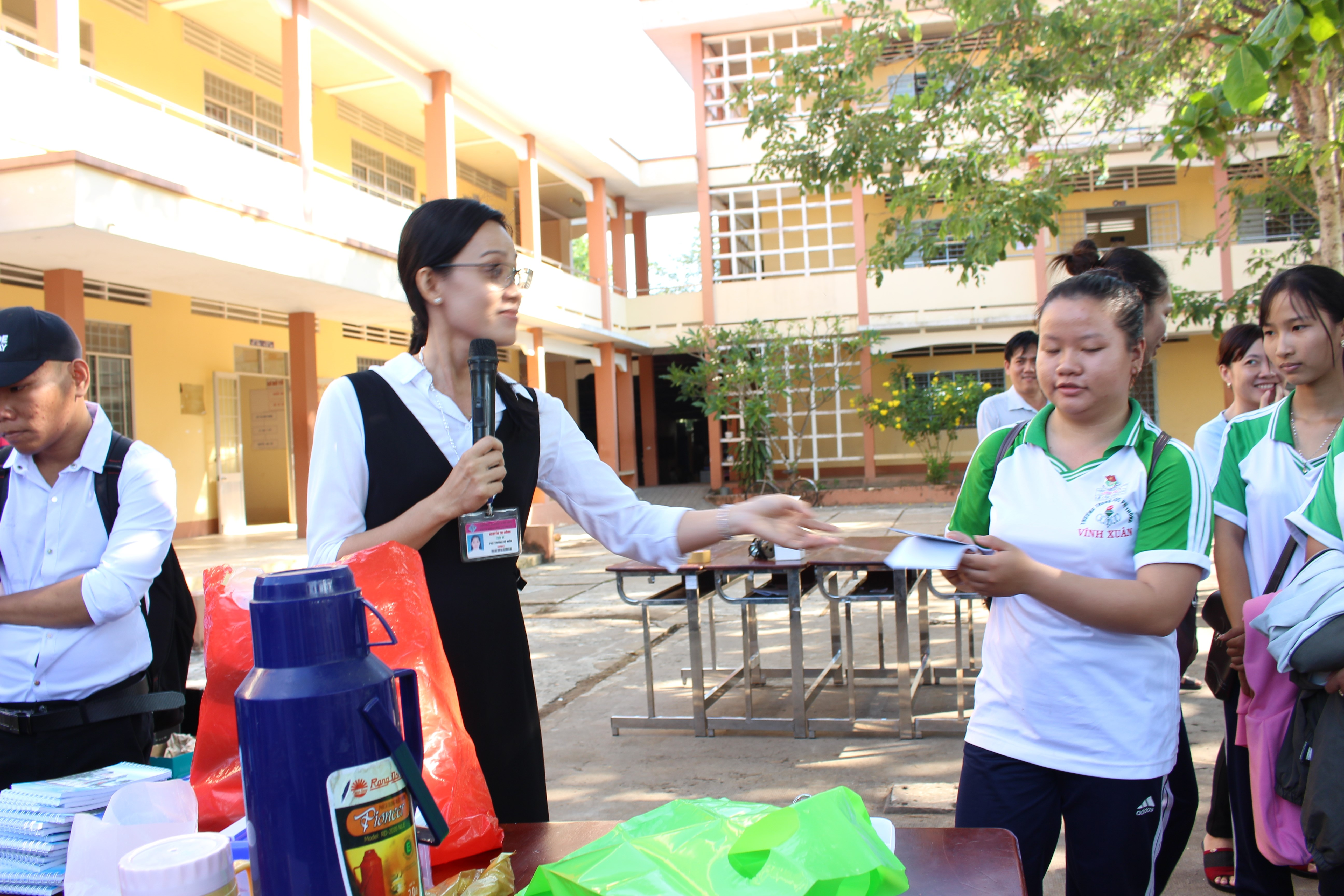 Natural Science Open Day at Vinh Xuan High School